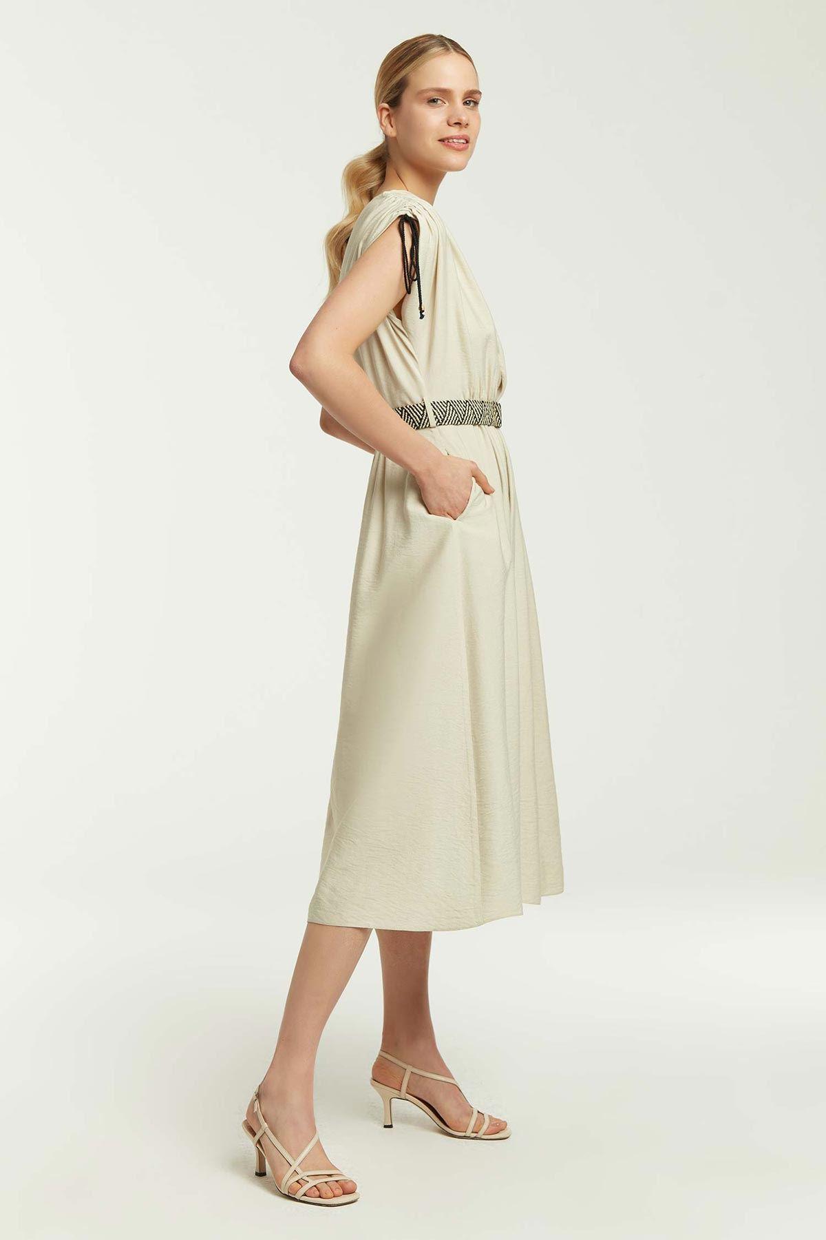 Kruvaze Kapama Büzgülü Elbise Bej