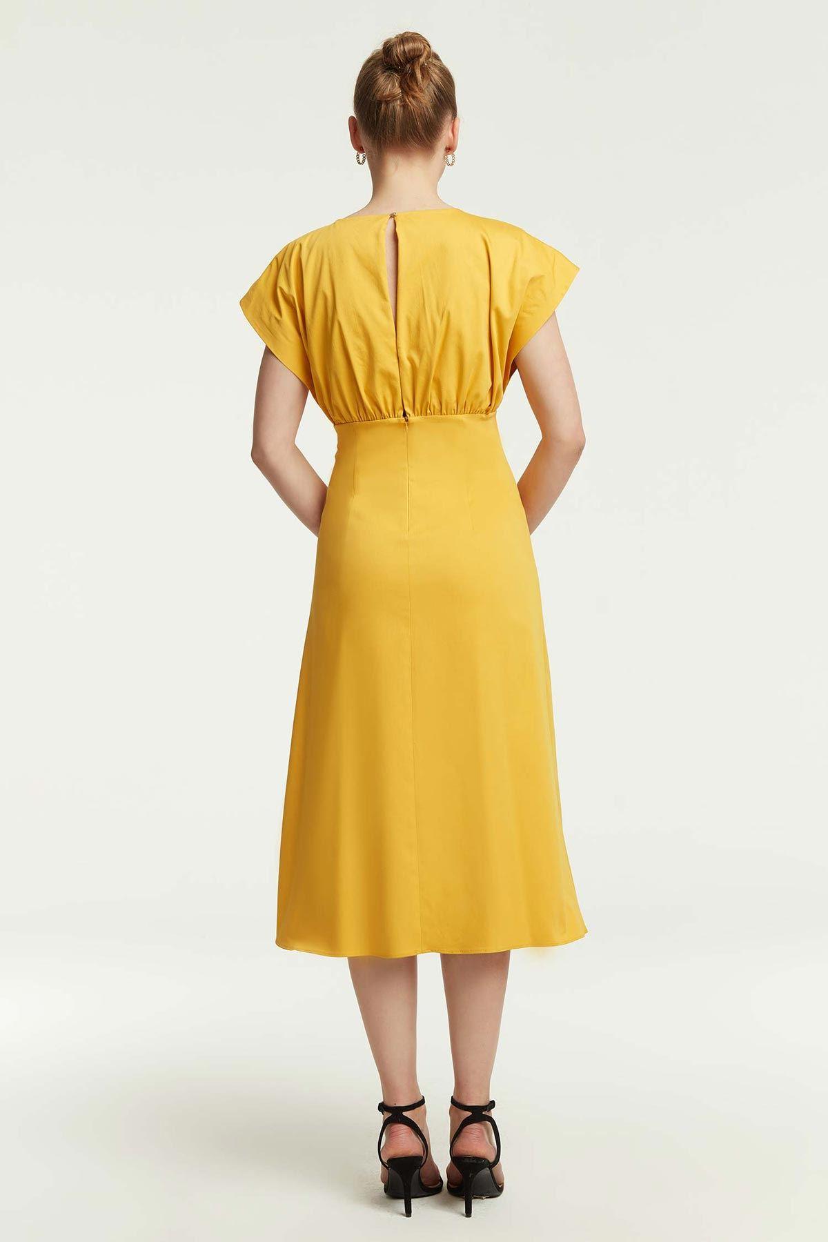 Önü Büzgülü Kloş Elbise Safran