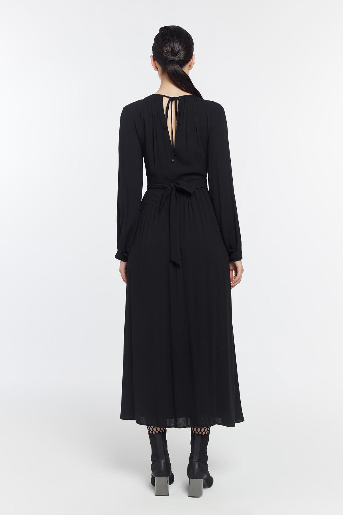 Çapraz bağlamalı büzgülü elbise Siyah