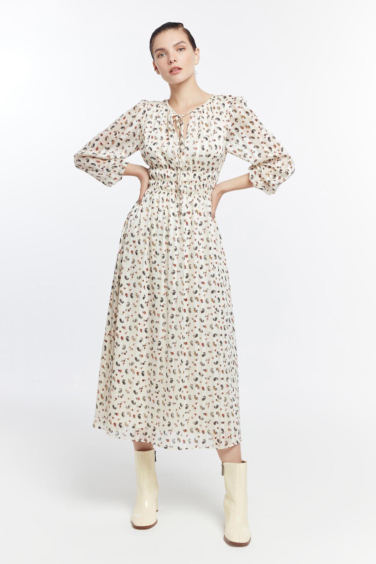 Bel vurgulu elbise Ekru