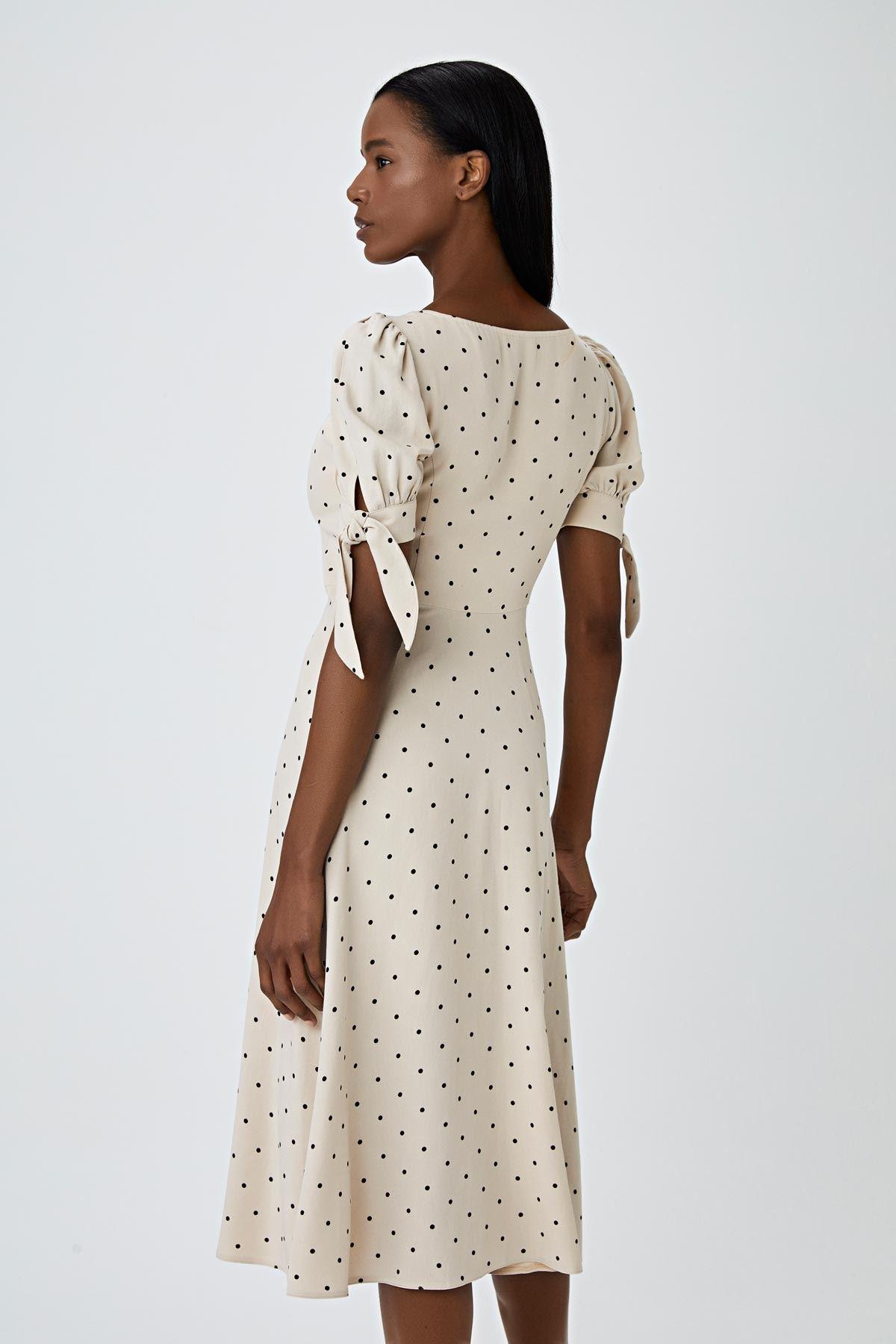 Kare yaka puantiyeli elbise Bej
