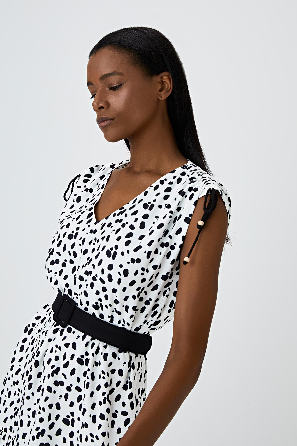 Omuz büzgülü dalmaçyalı elbise Ekru