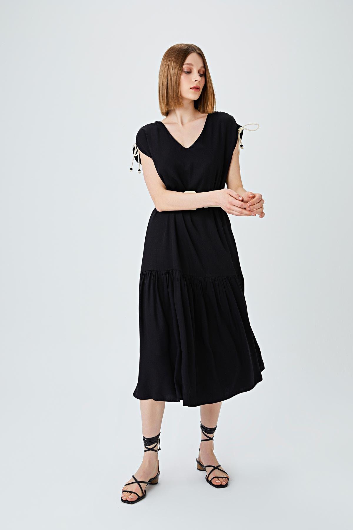 Omuz büzgülü elbise Siyah
