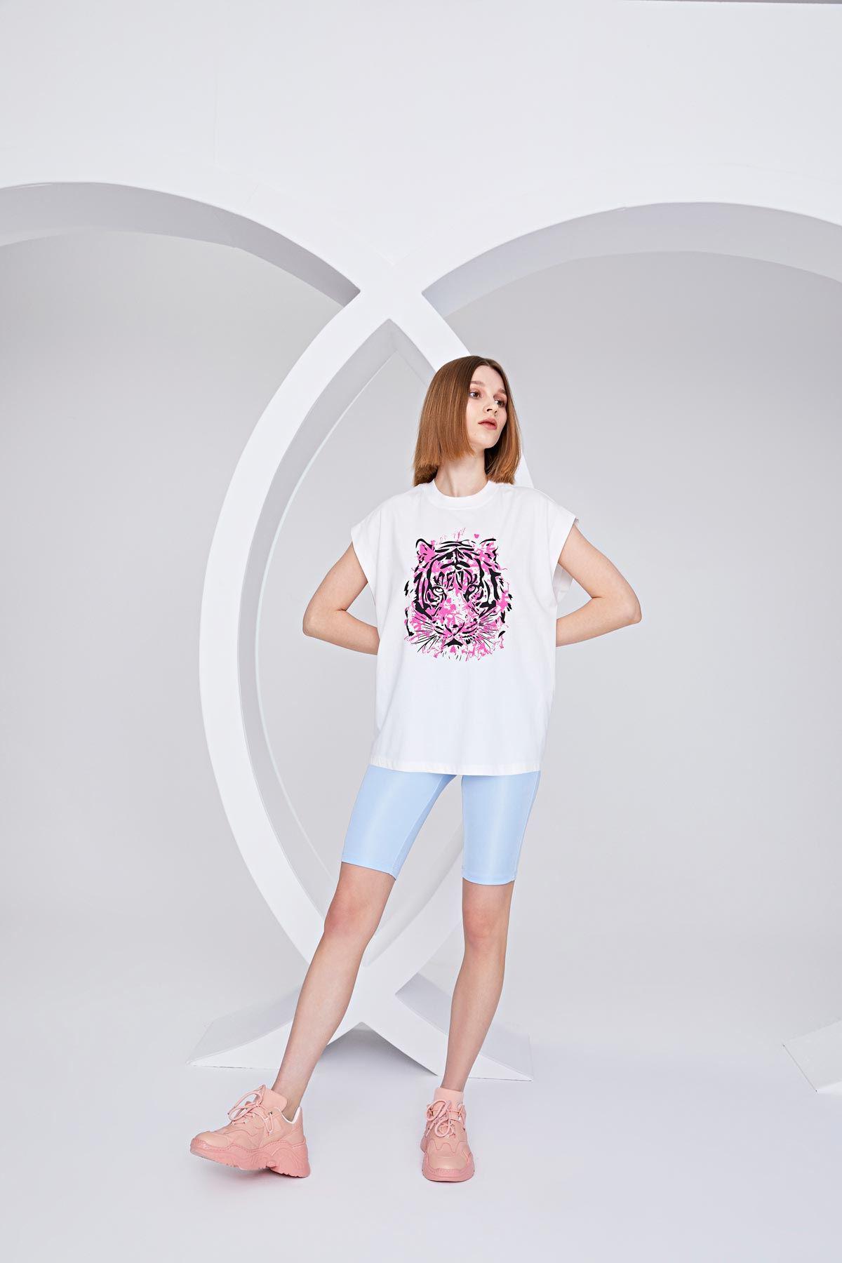 Kaplan desenli t-shirt Ekru
