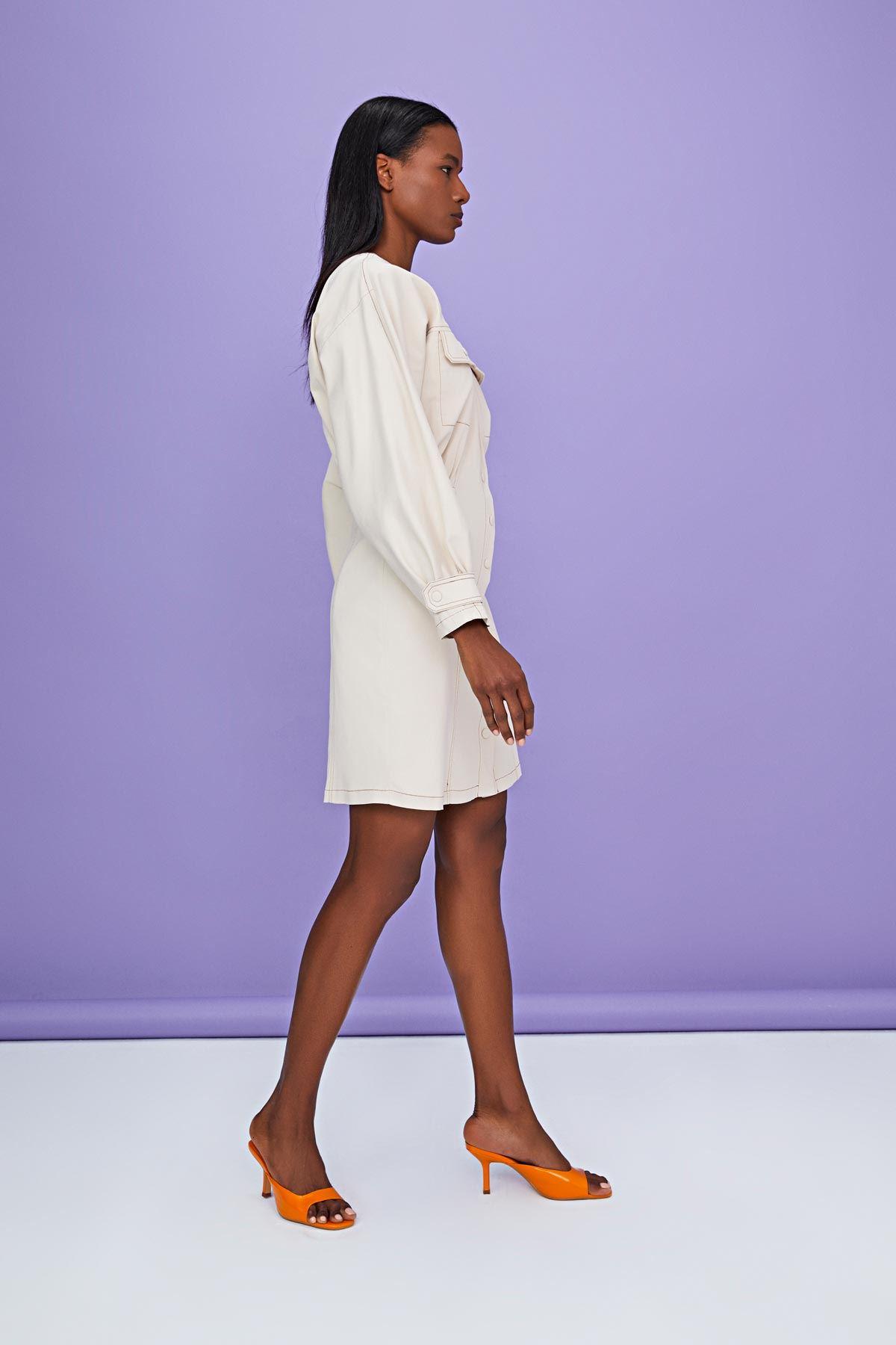 Çıtçıt kaplamalı elbise Bej